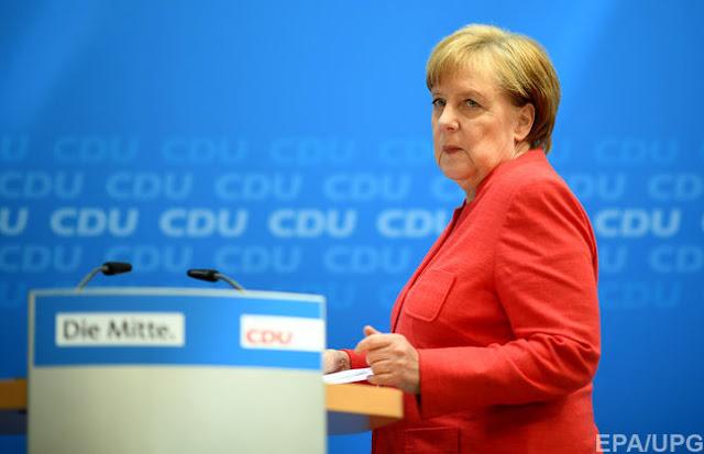 Меркель дали два тижні на вирішення проблеми біженців - ультиматум глави МВС