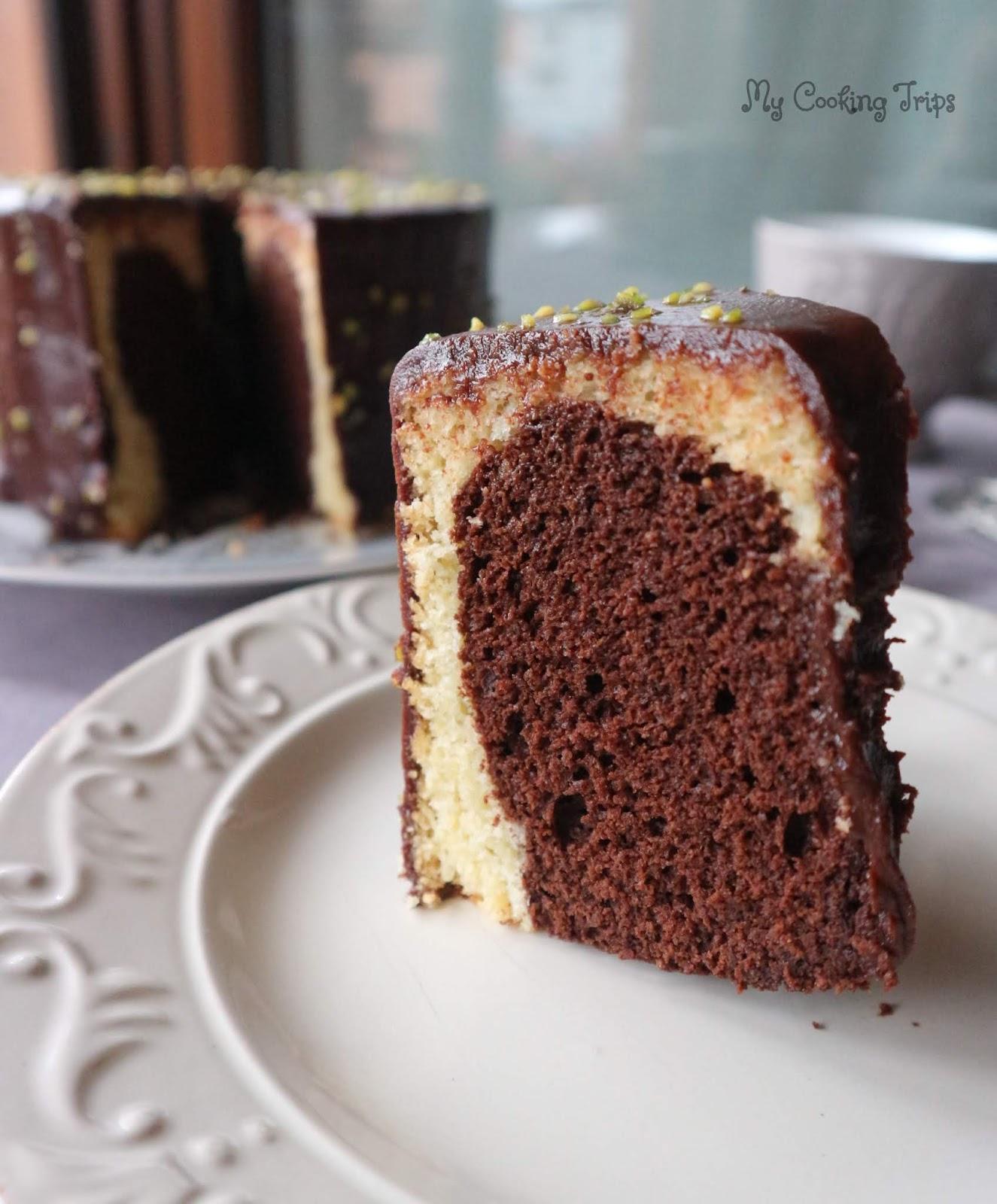 CHIFFON CAKE CON GLASSA AL CIOCCOLATO E MANDORLE | Le