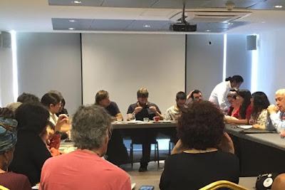 En Santiago, Colegio de Periodistas se reúne con parlamentarios europeos