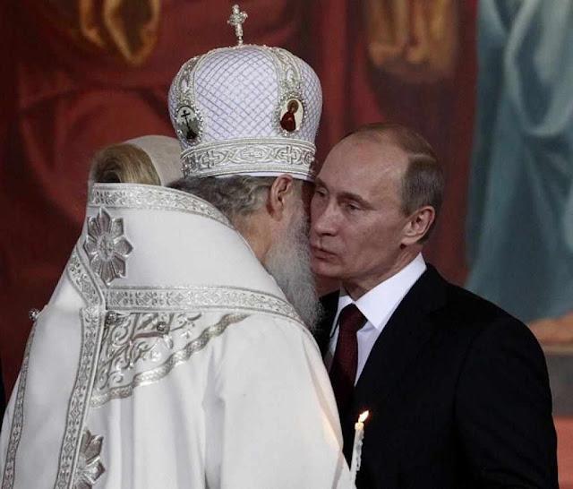 Agentes da KGB: Patriarca de Moscou Kirill ou 'Mikhailov' e coronel Putin