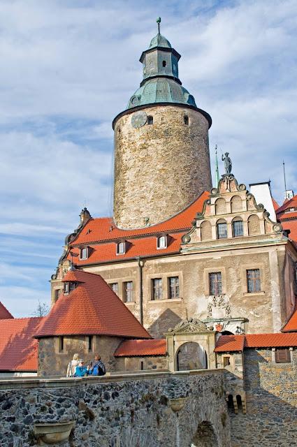 Zamek Czocha zwiedzanie, dziedziniec, wieża widokowa