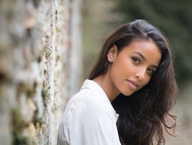 sashes and tiaras miss france 2014 flora coquerel. Black Bedroom Furniture Sets. Home Design Ideas