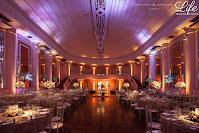 casamento com cerimônia na igreja nossa senhora das dores em porto alegre e recepção no salão dos espelhos do clube do comércio com organização projeto e cerimonial de life eventos especiais com decoração rústico chique