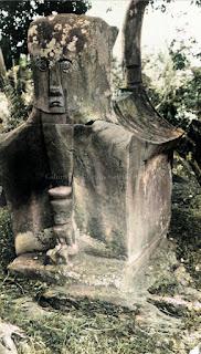 sarkofagus batak toba
