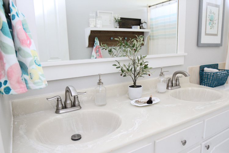 Pretty and easy updates for a small bathroom