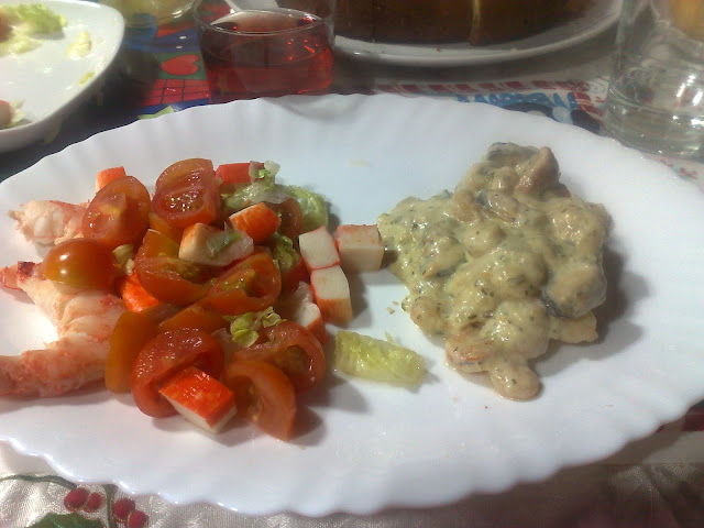 Pollo con salsa de mariscos / Fue un día como hoy