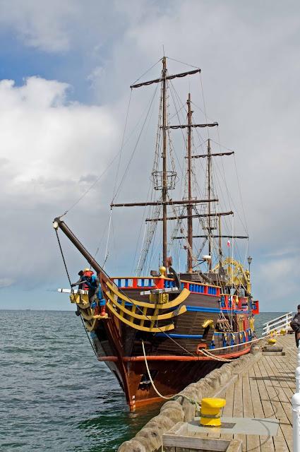 statek piracki w Sopocie, rejsy po zatoce