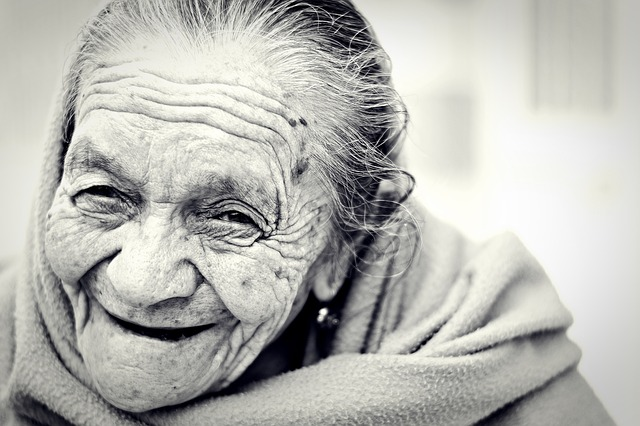 """""""Apa Yang Bisa Sebuah Senyum Lakukan"""" - Bunda Theresa #01"""