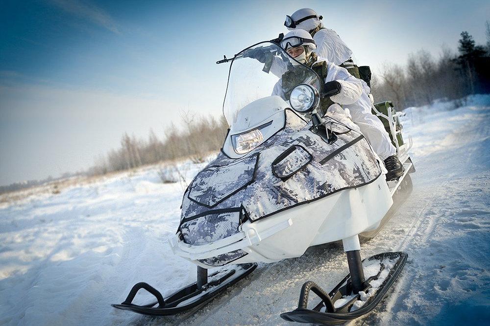 Арктична бригада Північного флоту РФ отримала снігоходи