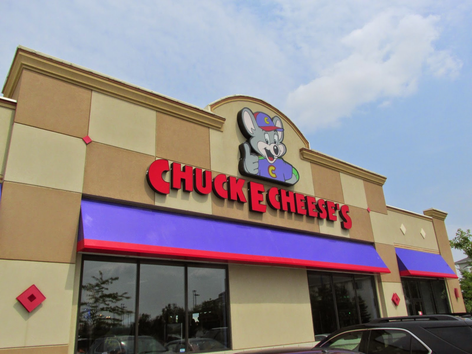 Chuck E Cheese: Leslie Ruo's Blog: Chuck E Cheese 2014 Civic Holiday