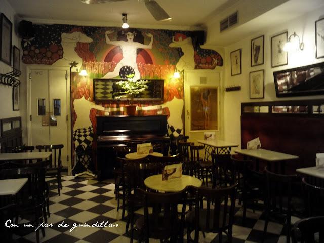 Piano en el Café Isadora