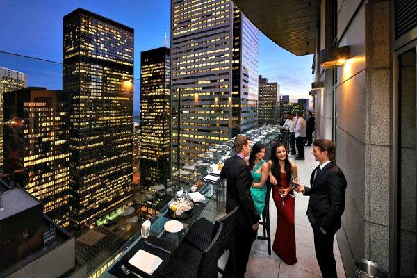 Ano-novo em Toronto em restaurantes, bares e baladas