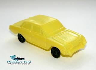 Ford Taunus 17 M, plastique soufflé année 1960