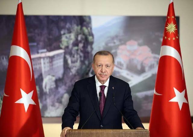Ο Ερντογάν αφαιρεί τις άδειες των δικηγόρων που διαφωνούν μαζί του