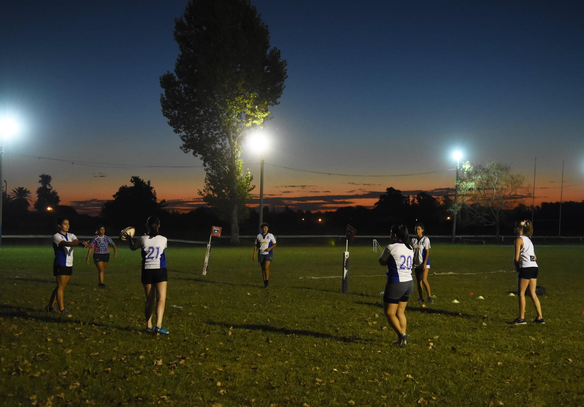 deporte noche rugby femenino