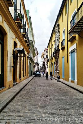 La Habana Vieja brukowane uliczki