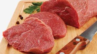 معنى اللحم النيْ في الحلم