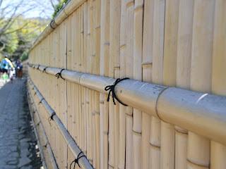 pagar-bambu-tidak-cepat-rusak.jpg