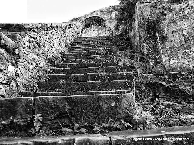 A escada de (quase) 999 degraus em Napflio