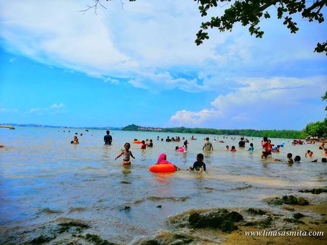 Pantai Dangas Sekupang Batam