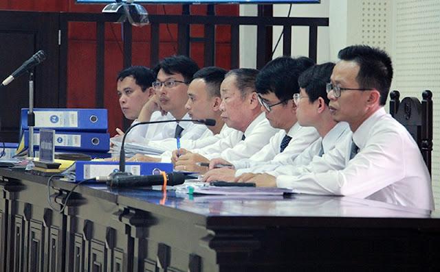 Bị cáo chỉ tay chửi thẳng mặt Chủ tọa phiên tòa và Viện kiểm sát đầy phẫn uất 9
