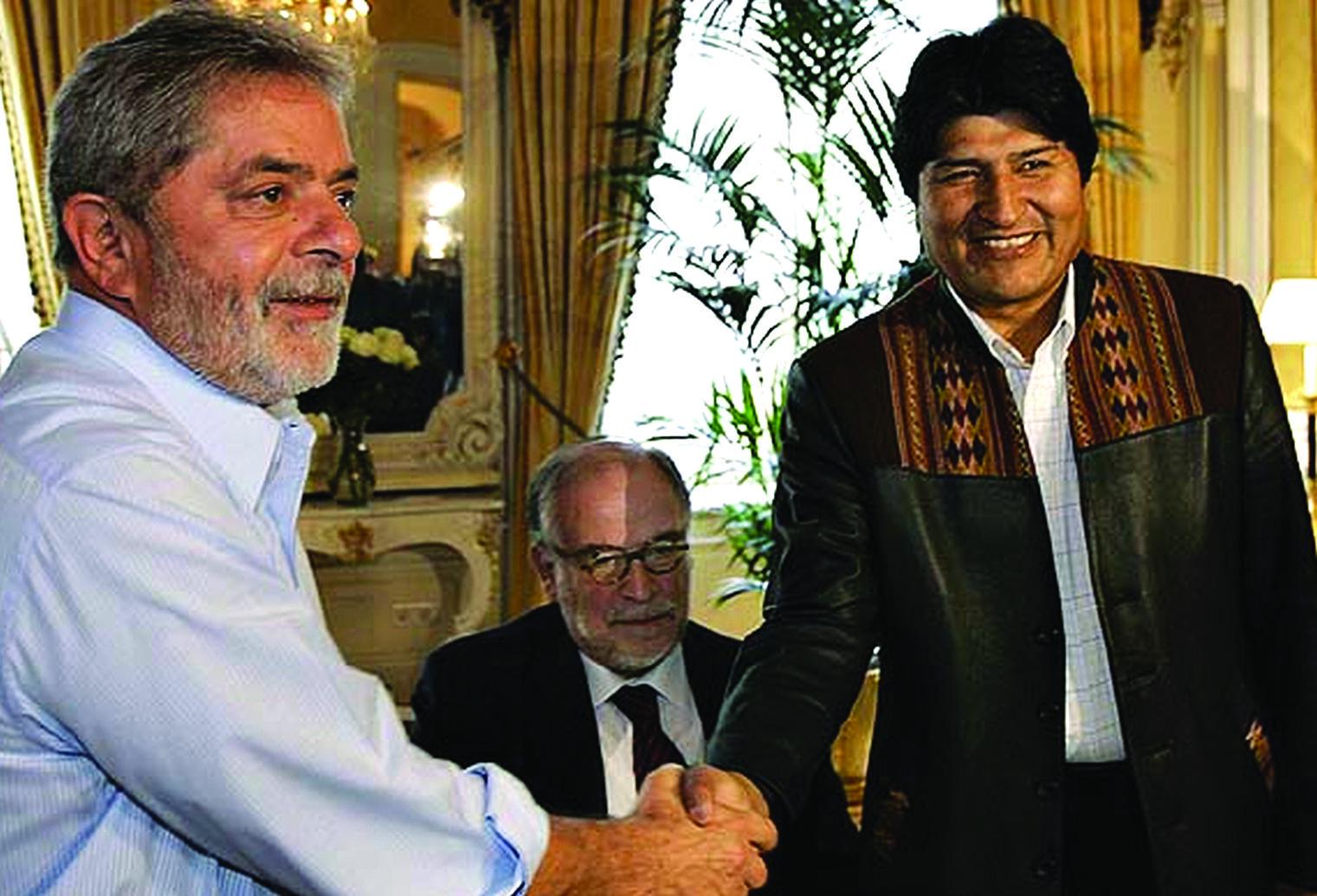 Lula y Evo en uno de sus primeros encuentros tras la asunción al poder de 2006 / ARCHIVO ABI