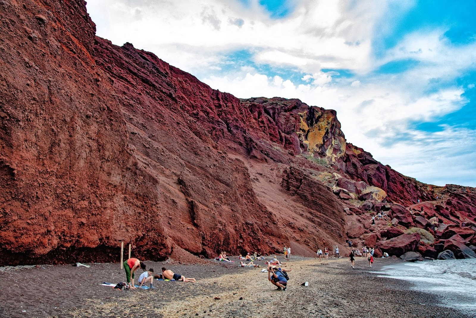 red-beach-santorin