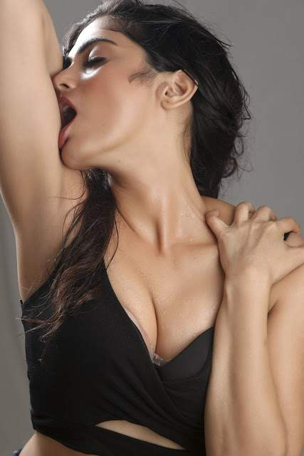 Naina Ganguly Stunning Spicy Stills