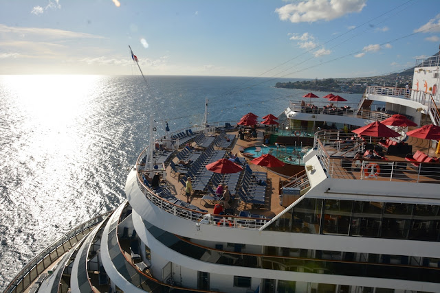 Carnival Breeze deck