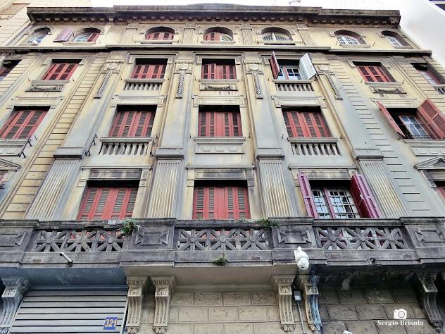 Perspectiva inferior da fachada do Palacete Aleppo - Centro - São Paulo
