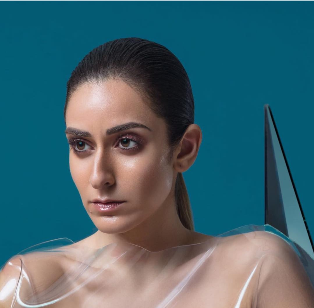 Watch Amina Khalil in a new style before her new series .. Pictures