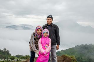 Muna Sungkar dan keluarga