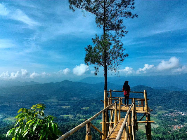 Bukit Panembongan Kuningan, Pesona Kuningan Terlihat Jelas dan Spot Selfie yang Menakjubkan