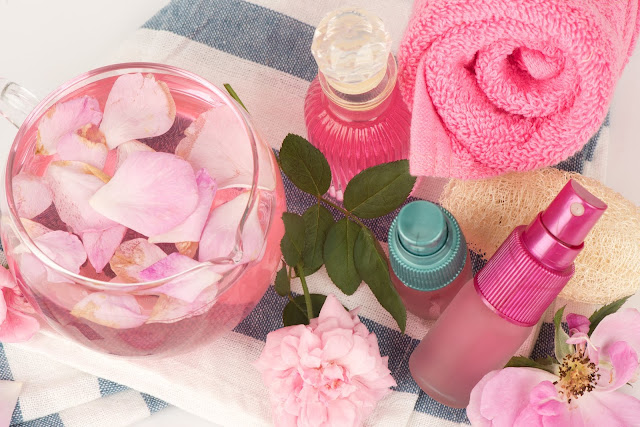 Make Your Own Rose & Aloe Refreshing Facial Mist !!
