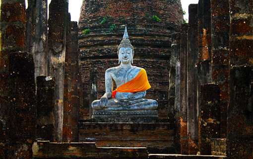 Sukhothai sitting Buddha statue