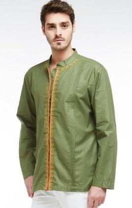 Dunia fashion yang semakin modern membuat para kaum pria ikut serta bergaya dalam urusan  32+ Kemeja Muslim Pria Terbaru 2017 - Lengan Panjang dan Pendek