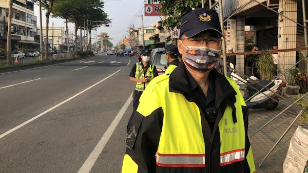 彰警隨行大甲媽祖護轎 織夢樂園贈警察特色口罩助防疫