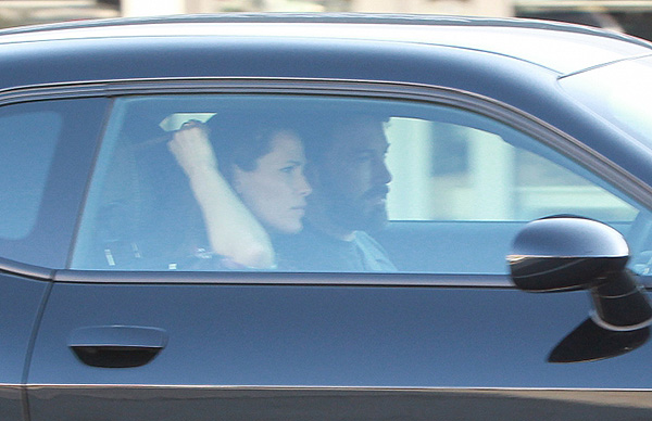 Ben Affleck and Jennifer watched the paparazzi