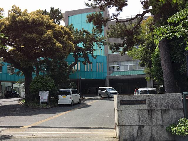 現在の静岡県立浜松北高等学校正門(2017年5月3日撮影)
