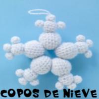 http://patronesamigurumis.blogspot.com.es/2017/12/copos-de-nieve-amigurumi.html