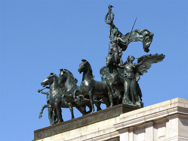 Crowning sculpture by Frederick MacMonnies, Soldiers' and Sailors' Arch, Grand Army Plaza, Brooklyn, New York