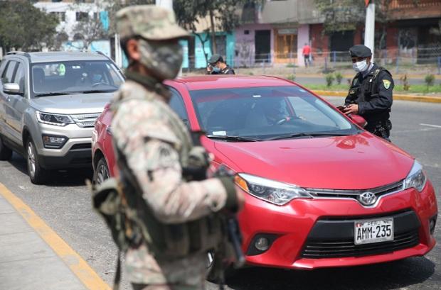 Autos particulares seguirán sin circular los domingos durante segunda quincena de marzo