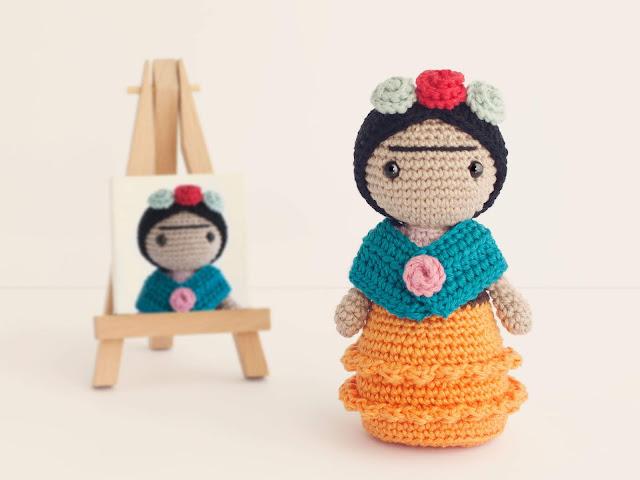 amigurumi-frida-kahlo-crochet-doll