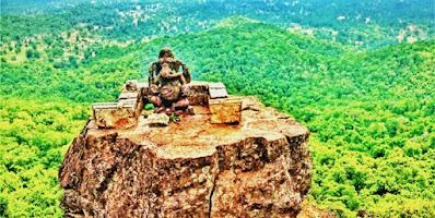 3000 फिट की ऊँचाई पर हैं ढोलकल गणेश की प्रतिमा(छ. ग.)ganesh-idol-dholkal-dantewada