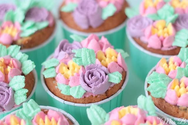 [Anzeige] Ostern zu Hause: Easy Blumen Cupcakes mit Tchibo