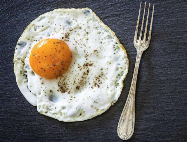 Estudio recomienda que los diabéticos desayunen huevos
