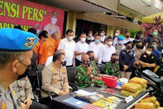 Gagalkan Peredaran Narkoba, Anggota TNI Peltu E Sitorus Dihadiahi Sepeda Motor