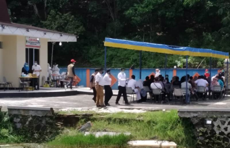 Pengambilan SWAB ke 53 Orang Tanpa Gejala Dilakukan di Ruang Isolasi Covid-19 Kabupaten Lingga