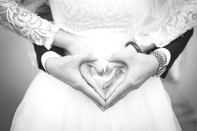 Tips Membuat Hubungan Suami Istri Semakin Mesra