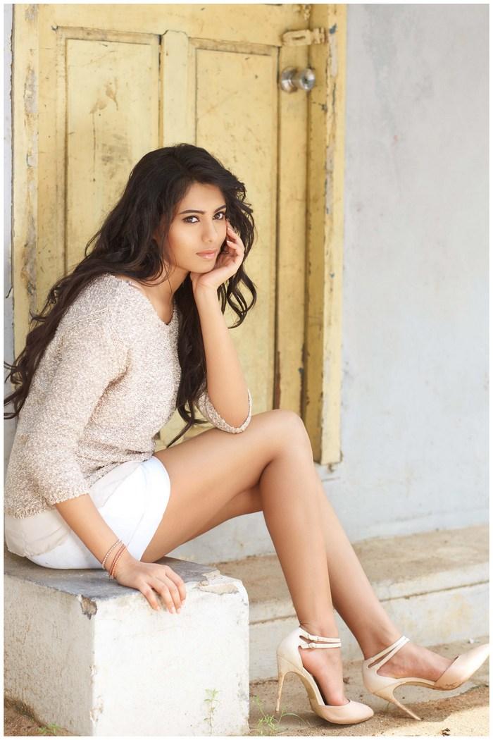 Actress Deepa Sannidhi Gorgeous Photos-1237